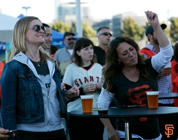 San Francisco Giants, S.F. Giants, photo, 2014, Orange Friday Happy Hour, The Mowgli's