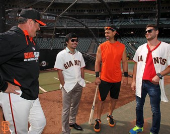 San Francisco Giants, S.F. Giants, photo, 2014, Manny Pacquiao, Will Clark, Angel Pagan, Chris Algieri