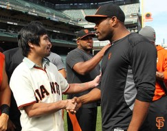 San Francisco Giants, S.F. Giants, photo, 2014, Manny Pacquiao, Santiago Casilla