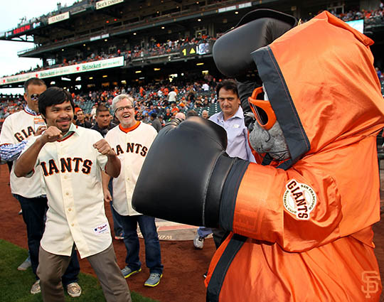 San Francisco Giants, S.F. Giants, photo, 2014, Manny Pacquiao, Lou Seal