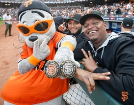 San Francisco Giants, S.F. Giants, photo, 2014, NLCS, Lou Seal, Yusmeiro Petit, Juan Gutierrez