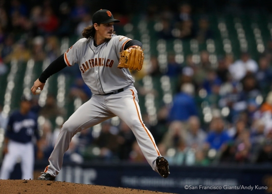 San Francisco Giants pitcher Jeff Samardzija pitches against the Milwaukee Brewers in the 1st inning.