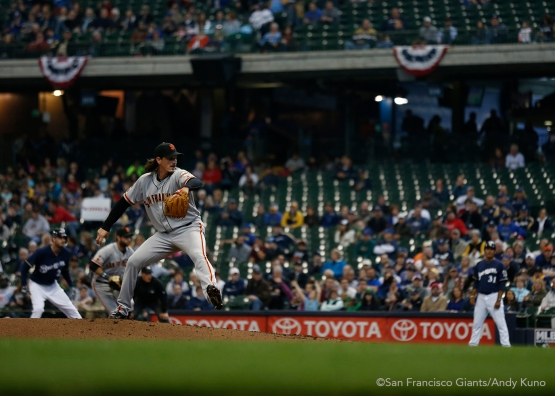 San Francisco Giants pitcher Jeff Samardzija pitches against the Milwaukee Brewers in the 2nd inning.