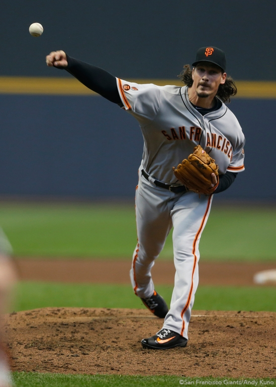 San Francisco Giants pitcher Jeff Samardzija pitches against the Milwaukee Brewers in the 4th inning.