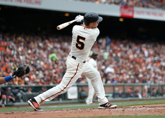 San Francisco Giants Matt Duffy knocks in a run during the 1st inning. The Giants defeated the Dodgers 9-6.