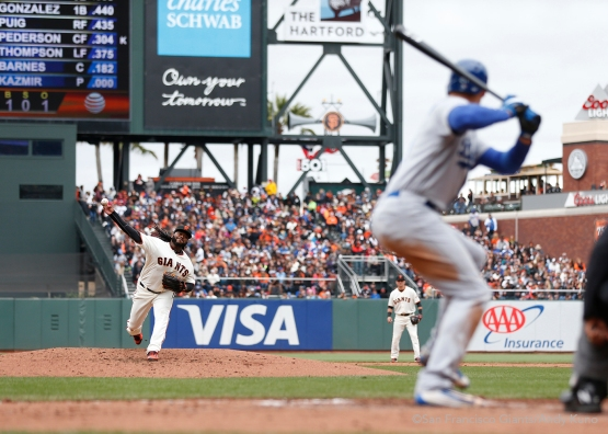 San Francisco Giants pitcher Johnny Cueto throws against the Dodgers during the 3rd inning. The Giants defeated the Dodgers 9-6.
