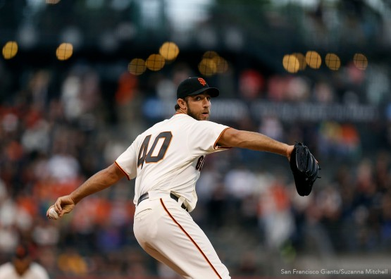 San Francisco Giants pitcher Madison Bumgarner pitches against the Diamondbacks during the 1st inning.