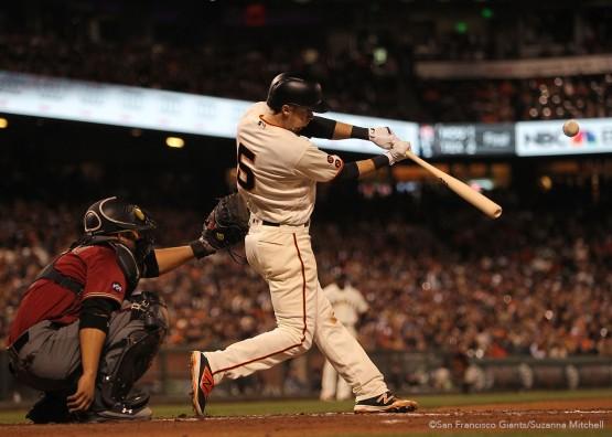 San Francisco Giants Matt Duffy gets a base hit against the Diamondbacks.
