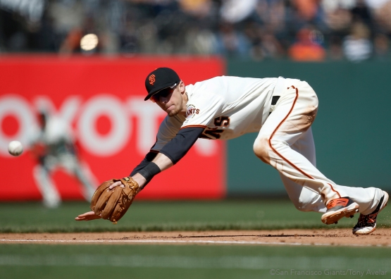 Matt Duffy makes a diving catch.