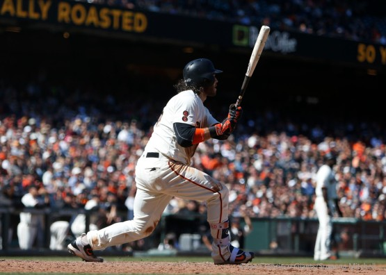 Brandon Crawford hits a game winning single.