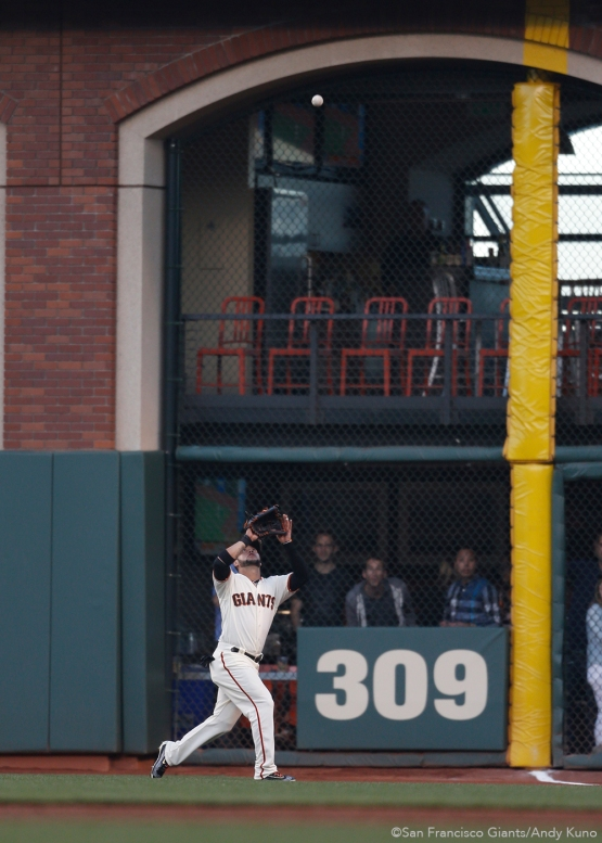 San Francisco Giants right fielder Gregor Blanco prepares to make a catch during the 3rd inning.
