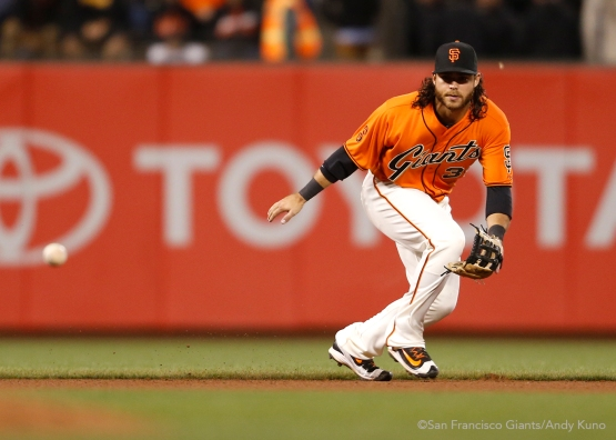 San Francisco Giants shortstop Brandon Crawford makes a play during the 9th inning.